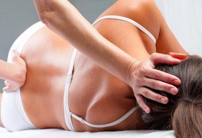 Physiotherapie - Rückenbehandlung, © karelnoppe / fotolia.com