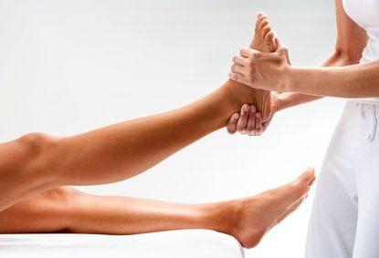 Physiotherapie - Fußbehandlung, © karelnoppe / Fotolia.com