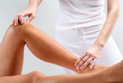 Physiotherapie - Kniebehandlung, © karelnoppe / Fotolia.com